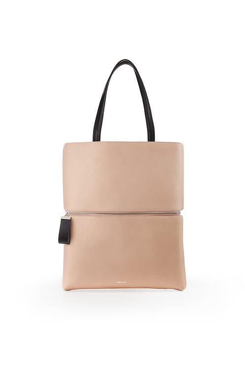 L'Impeccable - Un tote bag et un sac baguette en cuir nude lisse