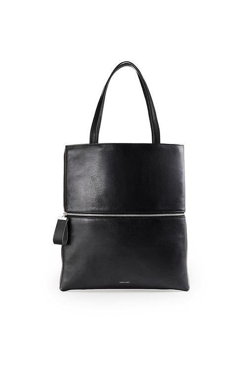 L'Impeccable - Un tote bag et un sac baguette en cuir noir lisse