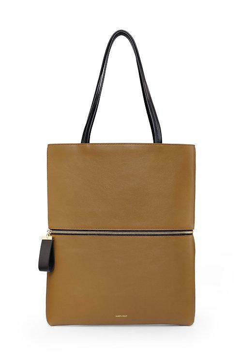 L'Impeccable - Un tote bag et un sac baguette en cuir grainé mangrove