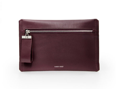 L'Indécise - the Undecided. A small clutch with adjustable shoulder str. Eggplant smooth leather