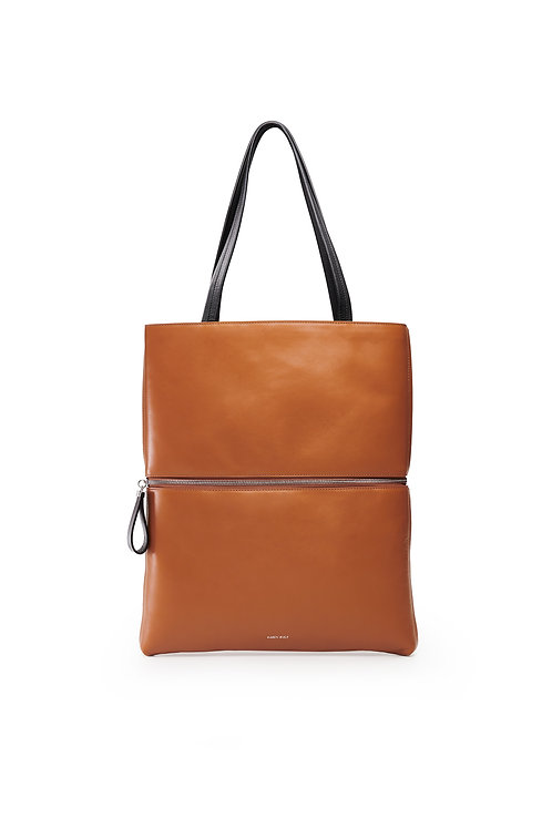 L'Impeccable - the impeccable. A tote and a shoulder bag in smooth tobacco calfskin