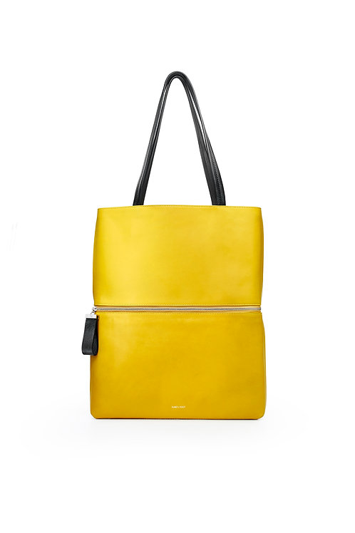 L'Impeccable - the impeccable. A tote and a shoulder bag. Yellow corn color & smooth leather