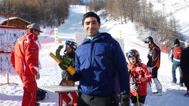 Sébastien Hamadou vainqueur du Grand Prix, prêt à arroser la victoire et l'année 2011