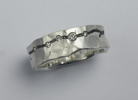 Canyon ring with diamonds