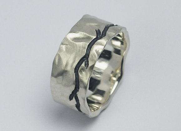Wide canyon ring
