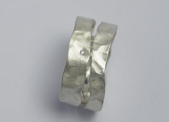 Wide splits & diamonds