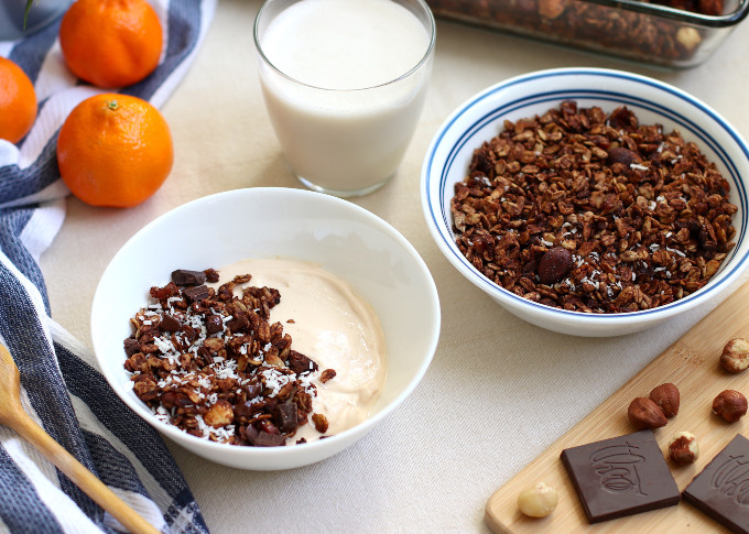 healthy chocolate hazelnut granola