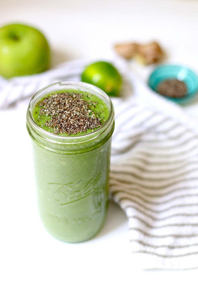 green smoothie after travel