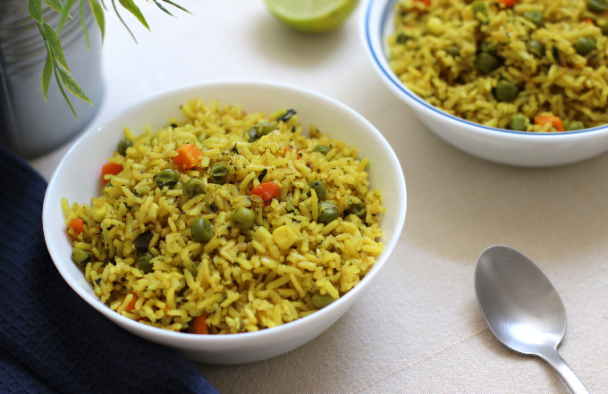yellow rice and peas