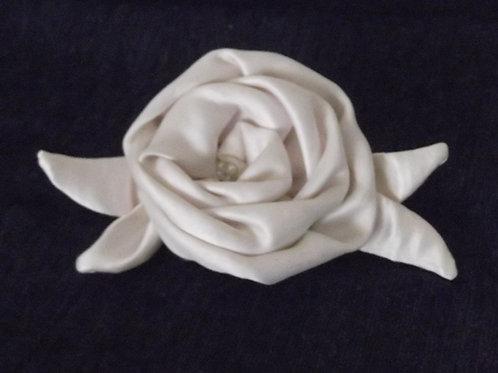 Dark Ivory Delustred Satin Rose Haircomb