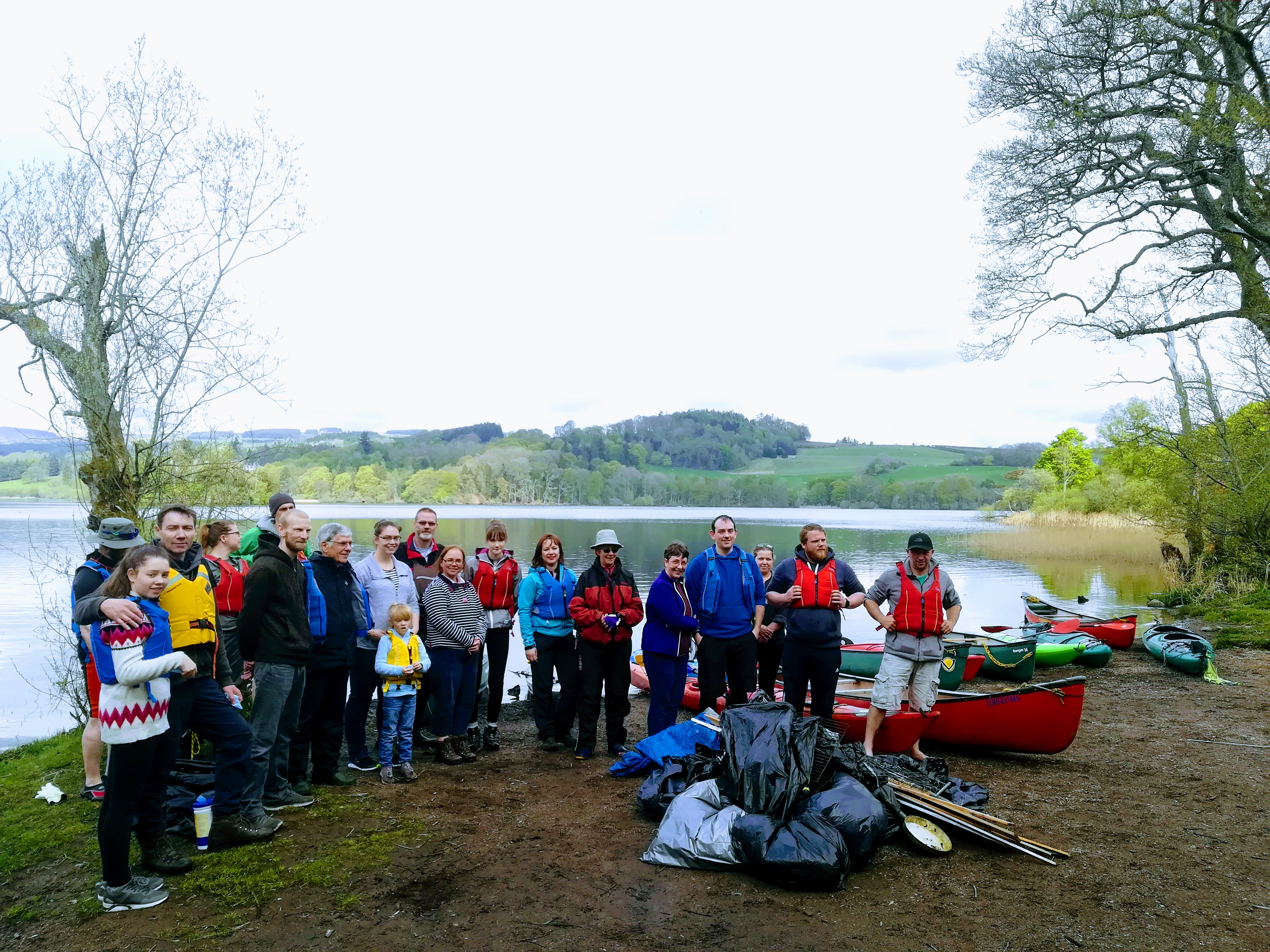 Litter Free Paddle at Clunie Loch April 2019