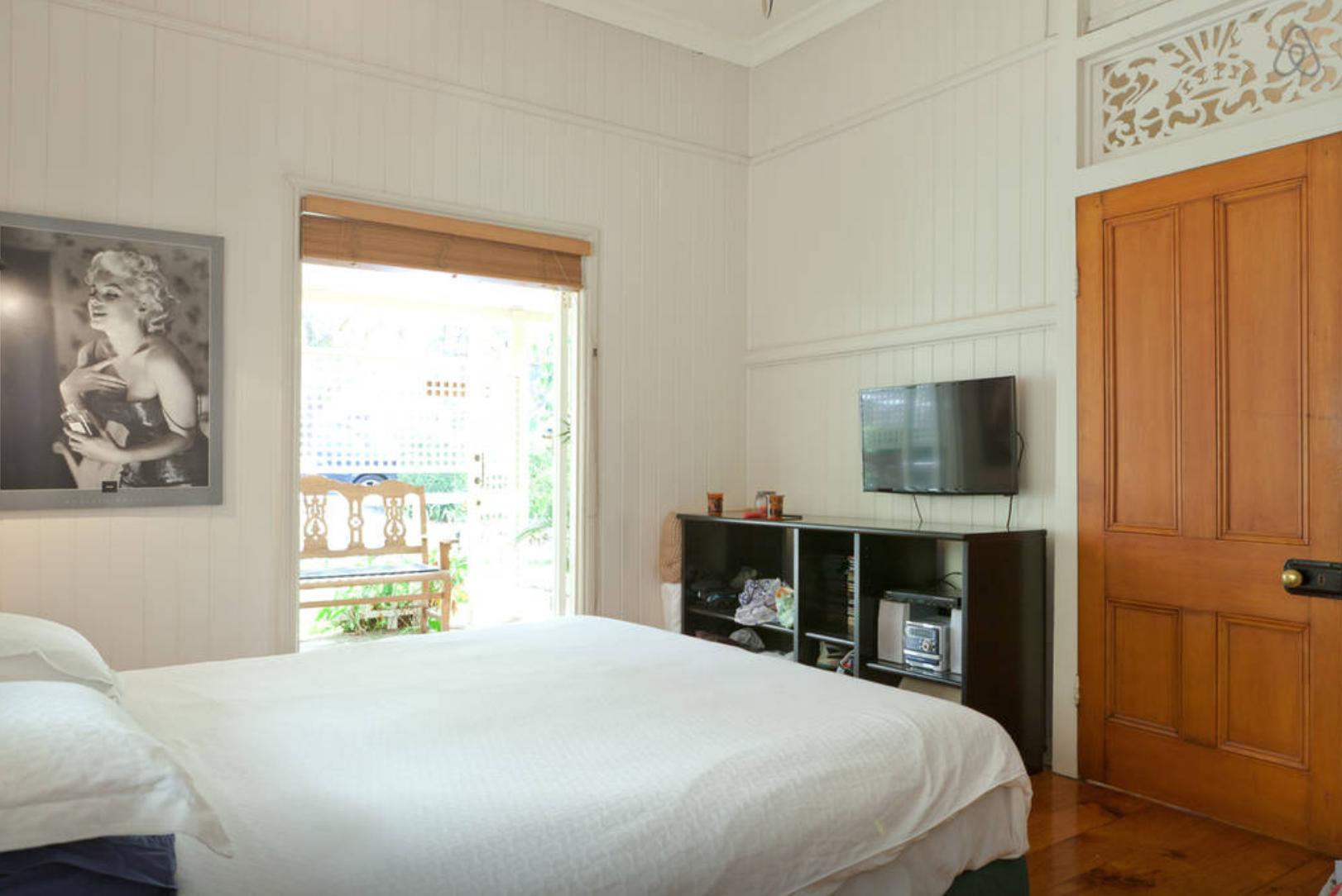 Main Bed 3.png