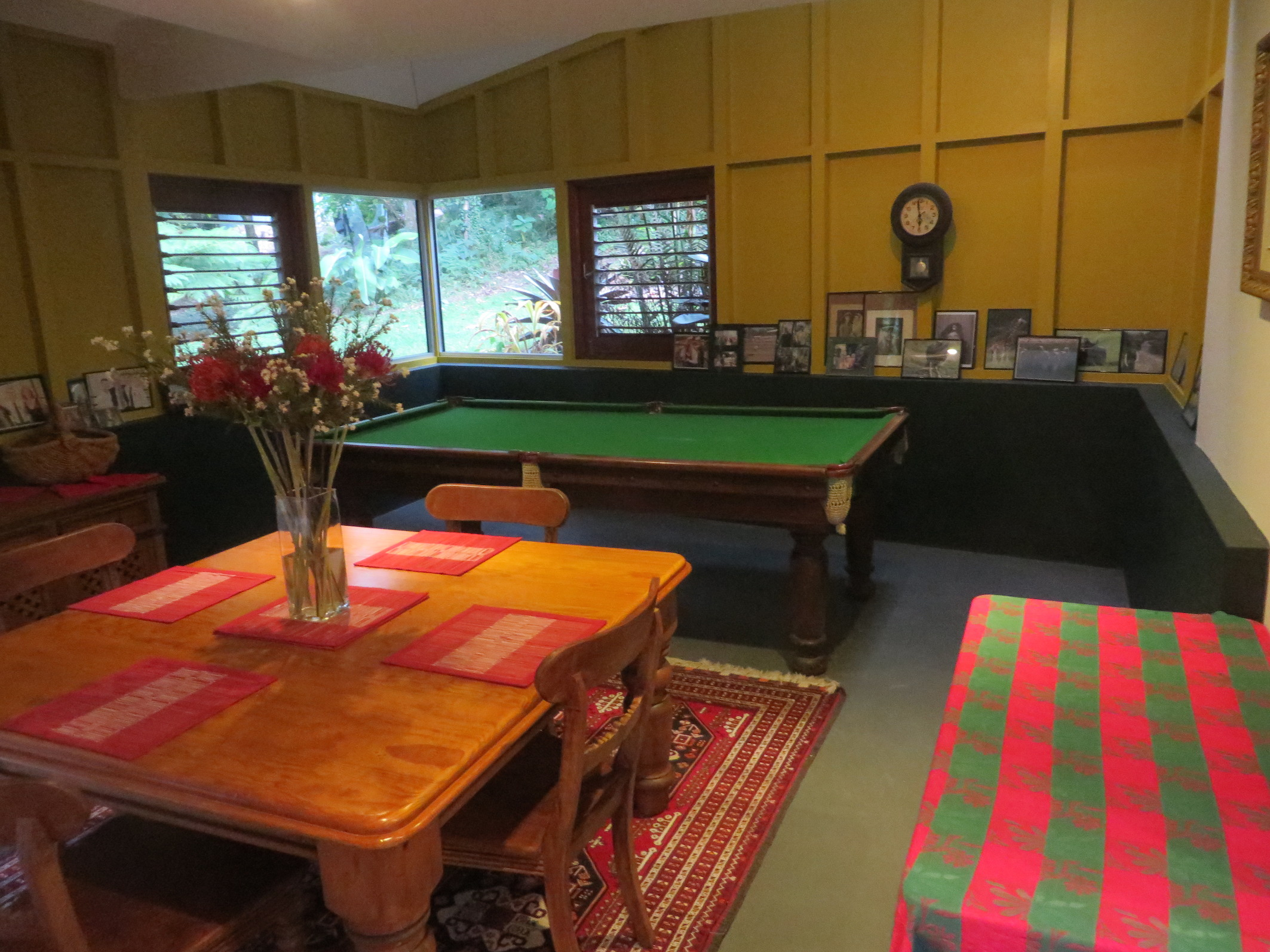 Guest area and pool table
