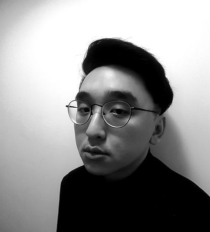 Headshot_Portrait (1)_edited_edited.jpg