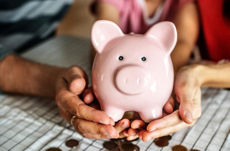 Savings for Couples, Piggy Bank