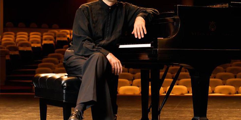 Juan Pablo Andrade, piano