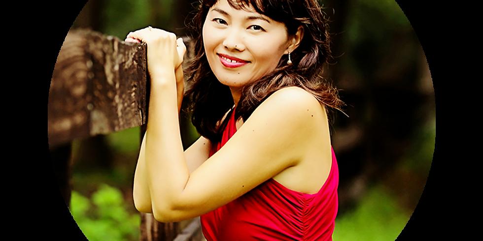 Shoko Kinsella, piano