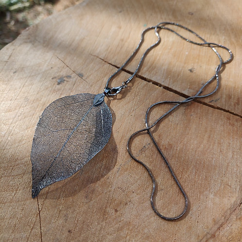 necklace black leaf