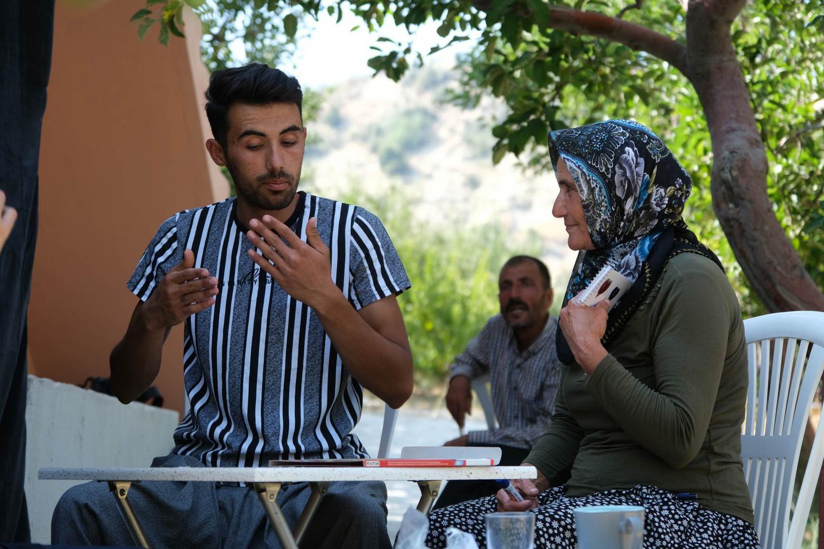 Mustafa ve annesi Melek