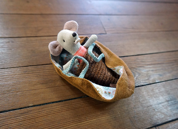 Maileg, Baby Mouse in Baby-Tragetasche