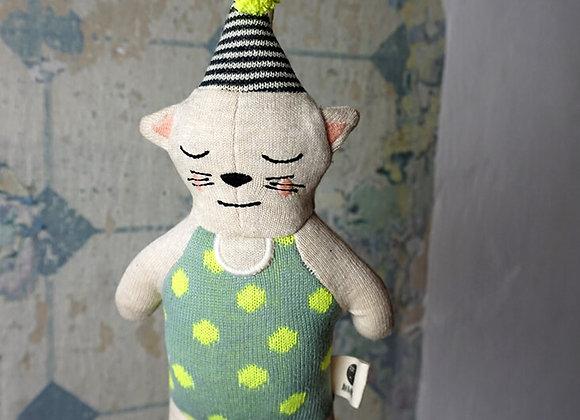 Ava & Yves, Strickspieluhr Katze mit Hütchen
