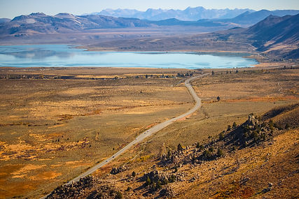 Mono-Lake-from-viewpoint.-Panoramic-view