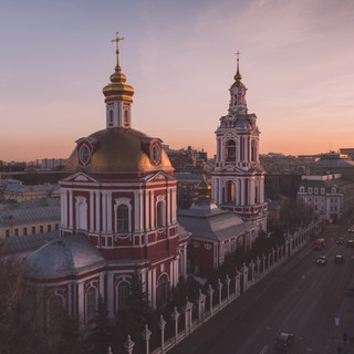 Закат над старой Москвой