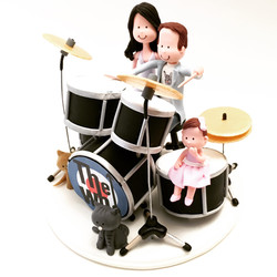 wedding-cake-topper-drummer