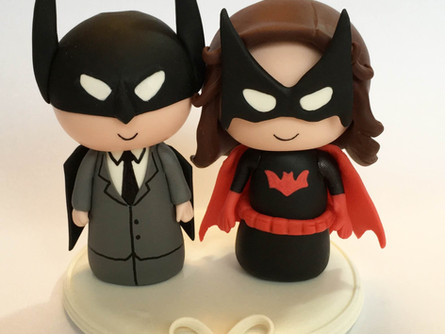 News: Cute Wedding Cake Topper Batman and Batwoman.