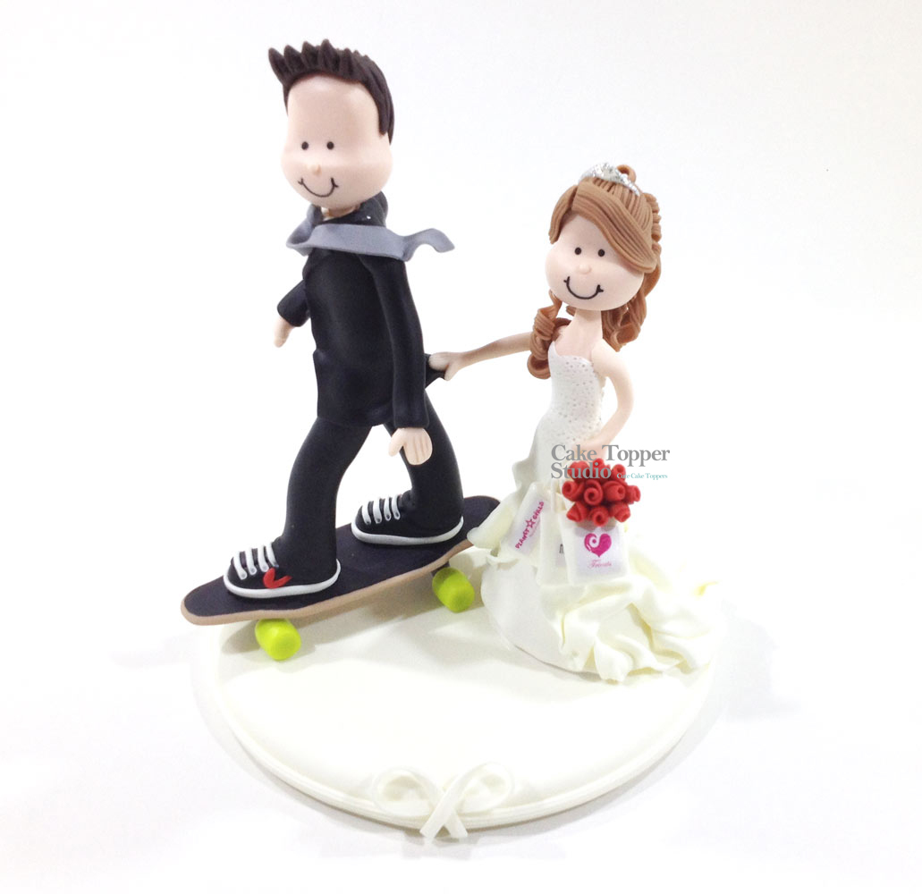 wedding-cake-topper-funny-skate