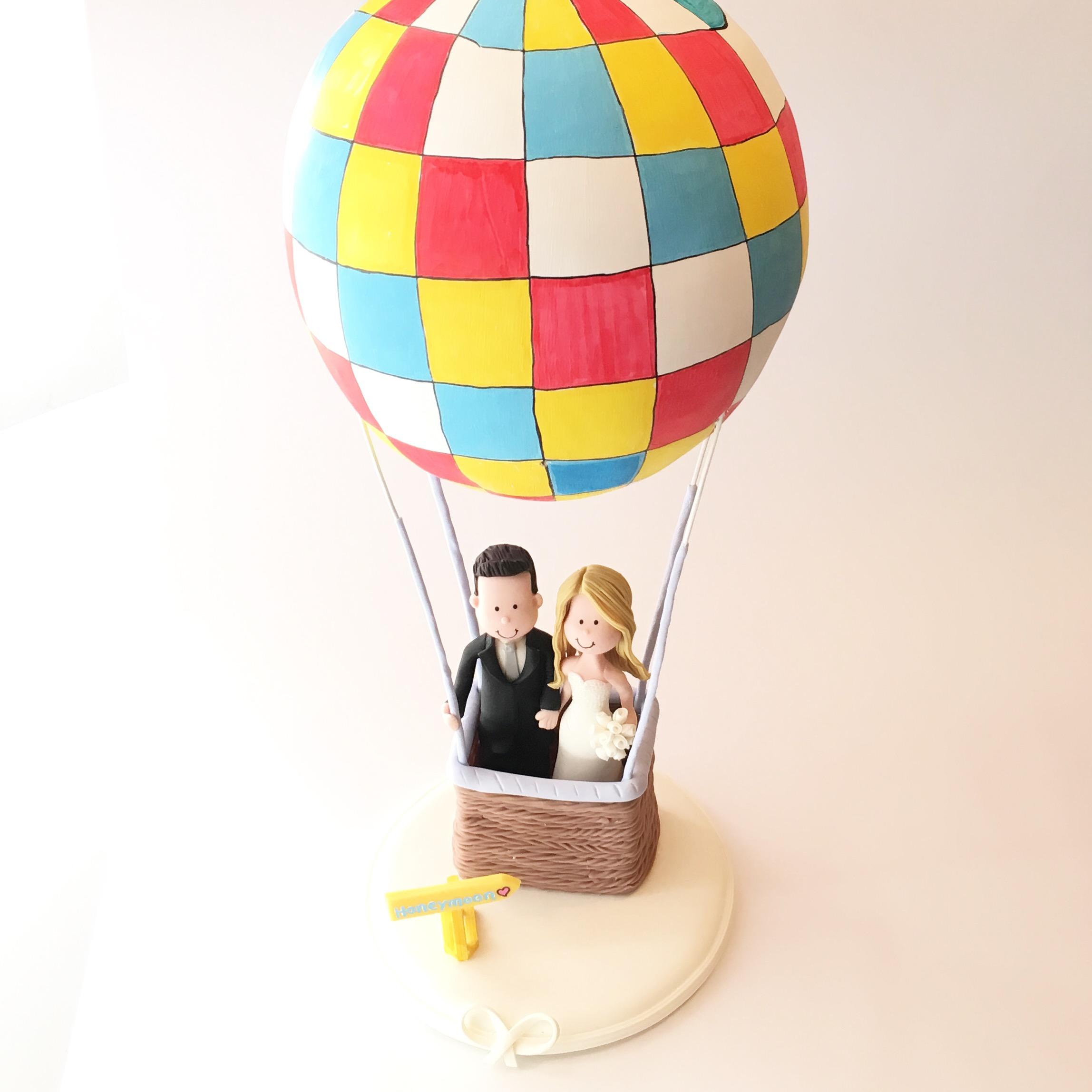 wedding-cake-topper-baloon-travel