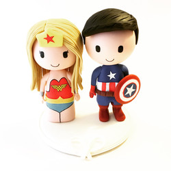 Wedding-cake-topper-captain-america-wonder-woman
