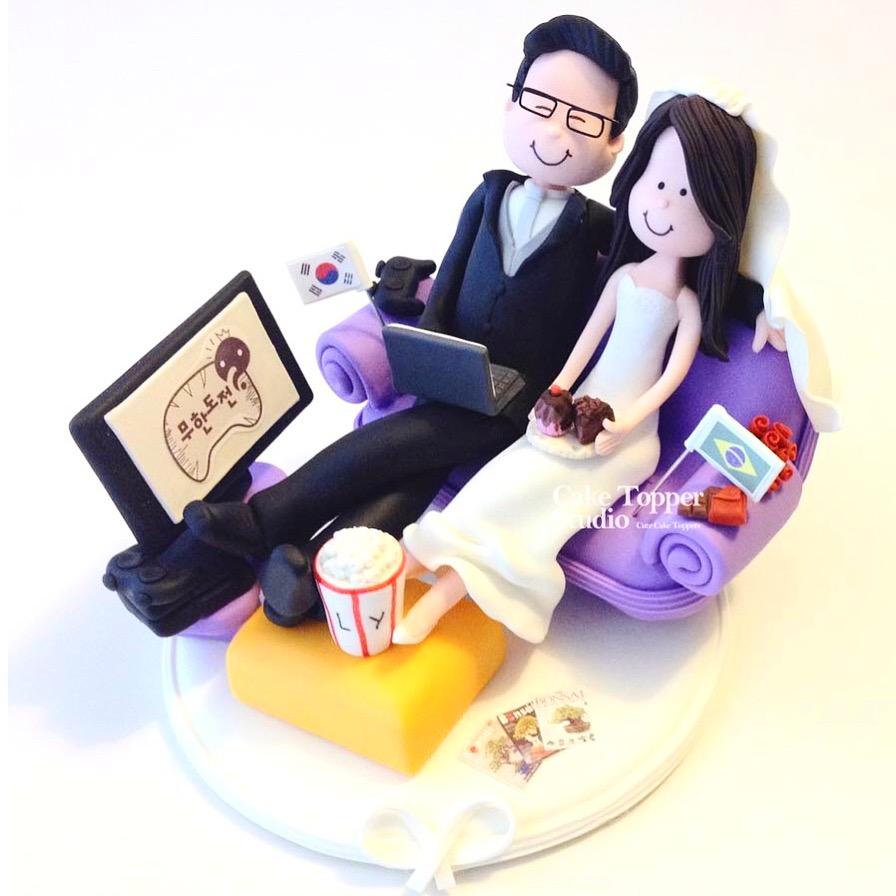 wedding-cake-topper-tv-love-2