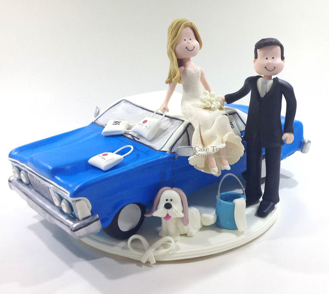 wedding-cake-topper-funny-old-car