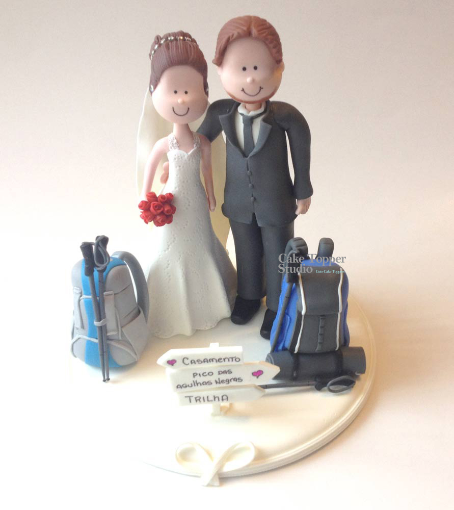 wedding-cake-topper-funny-treking-backpack