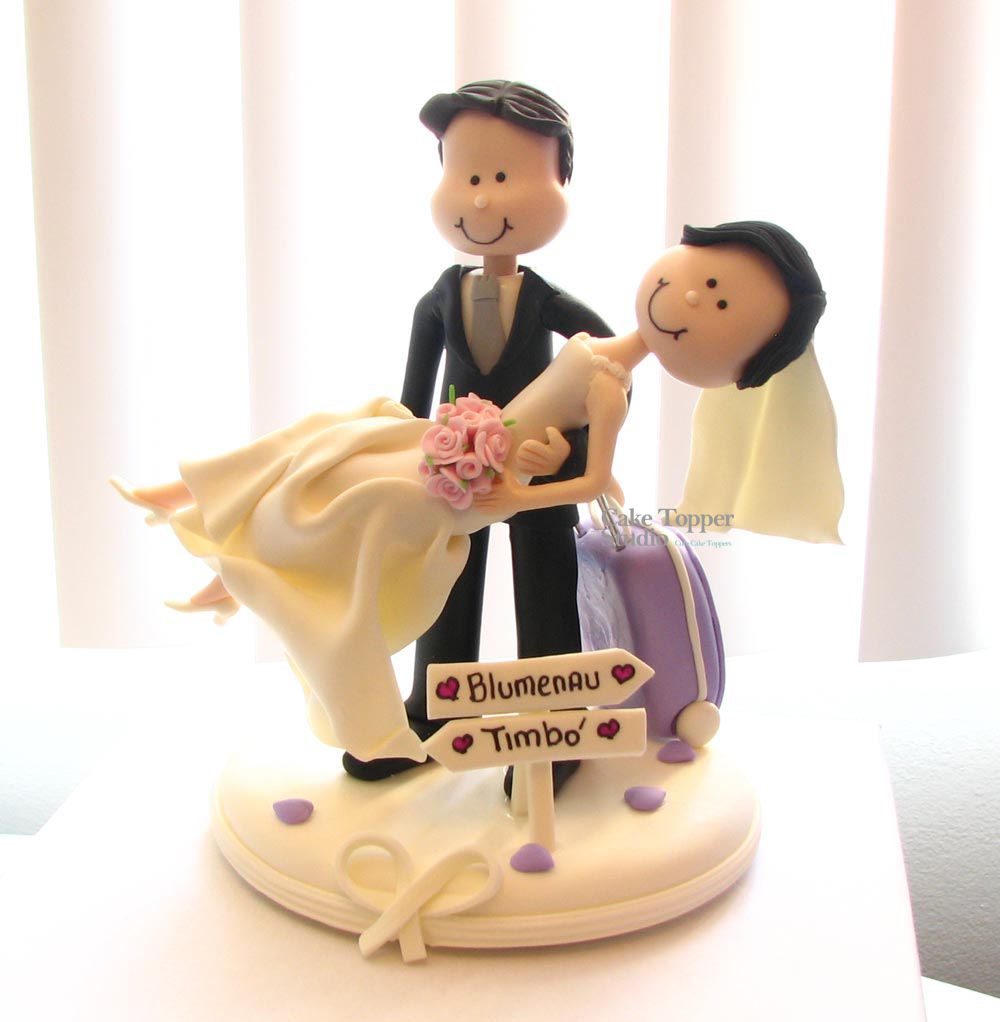 cake-topper-wedding-funny-carrying-the-bride - Cópia
