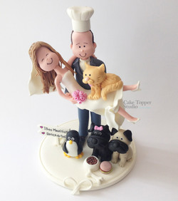 wedding-cake-topper-romantic-pets-chef