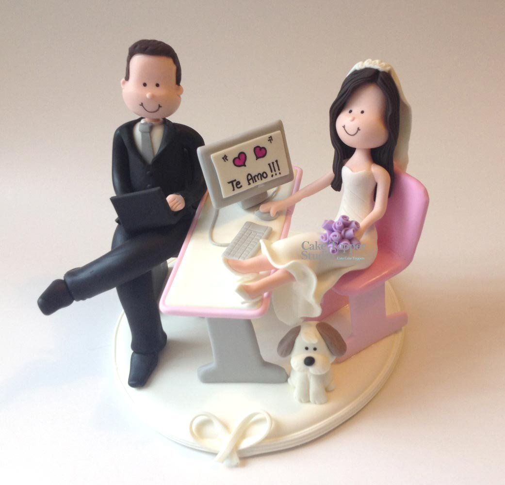 wedding-cake-topper-funny-desk-computer_-_Cópia