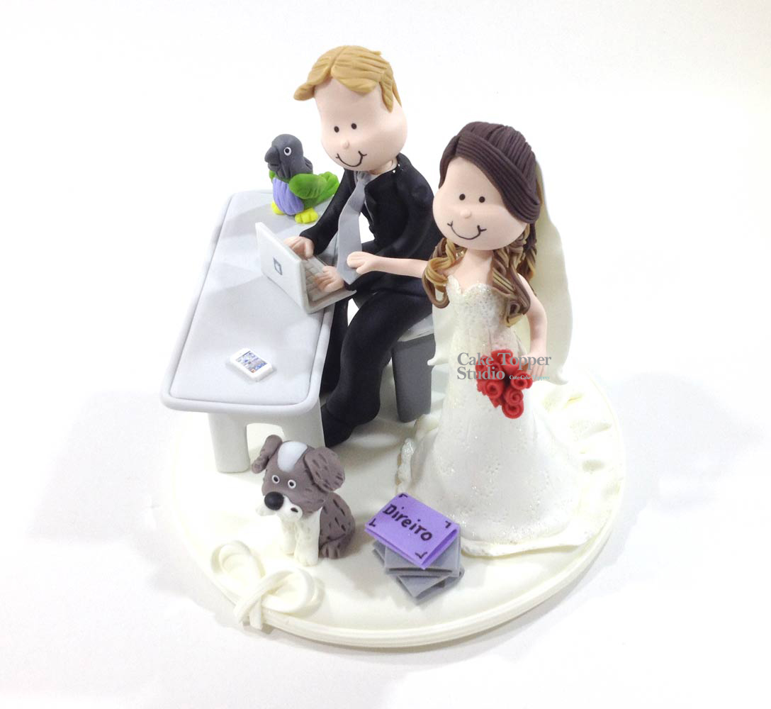 wedding-cake-topper-funny-desk-job-laptop