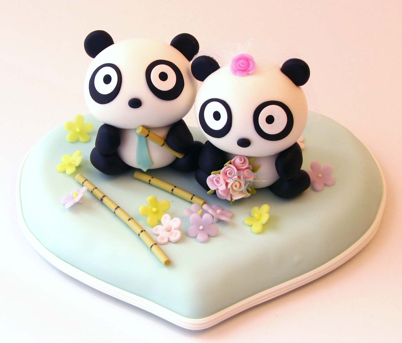 wedding-cake-topper-panda-cute