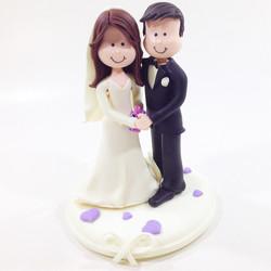 wedding_cake_topper_romantic_bride_groom.JPG