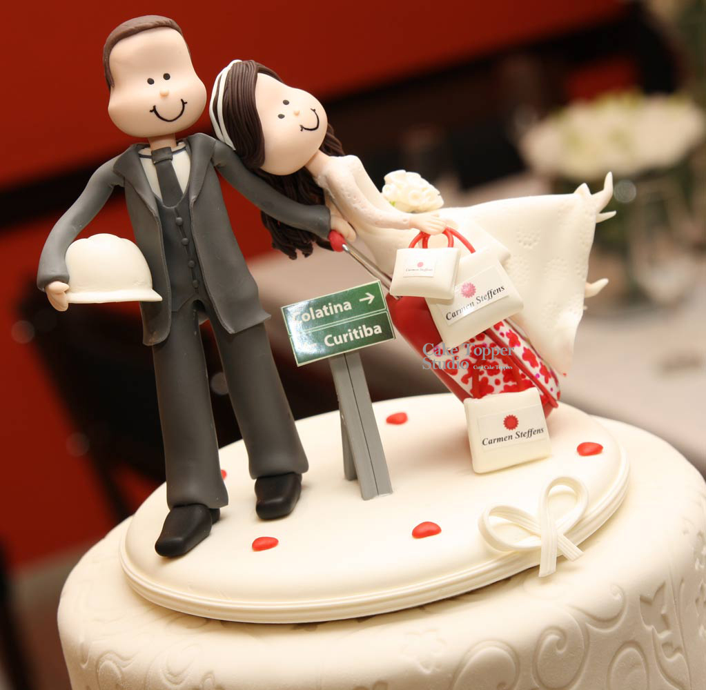wedding-cake-topper-funny-traveling-5