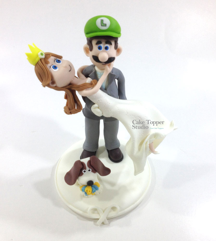 wedding-cake-topper-funny-luigi-peach