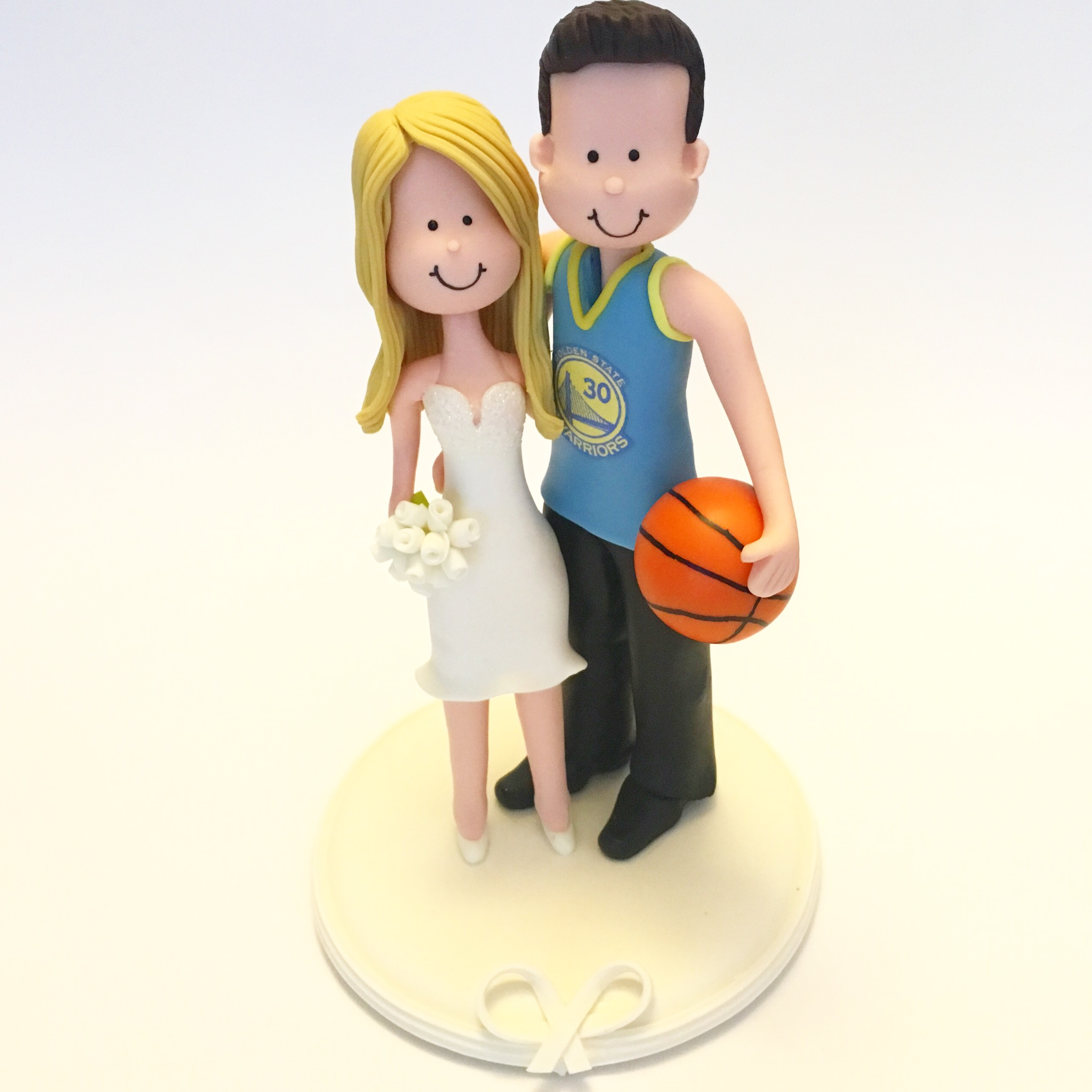 wedding-cake-topper-basket