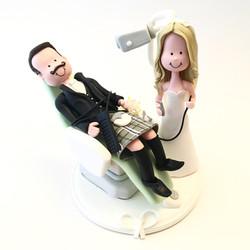 wedding-cake-topper-dentist-15-kilt
