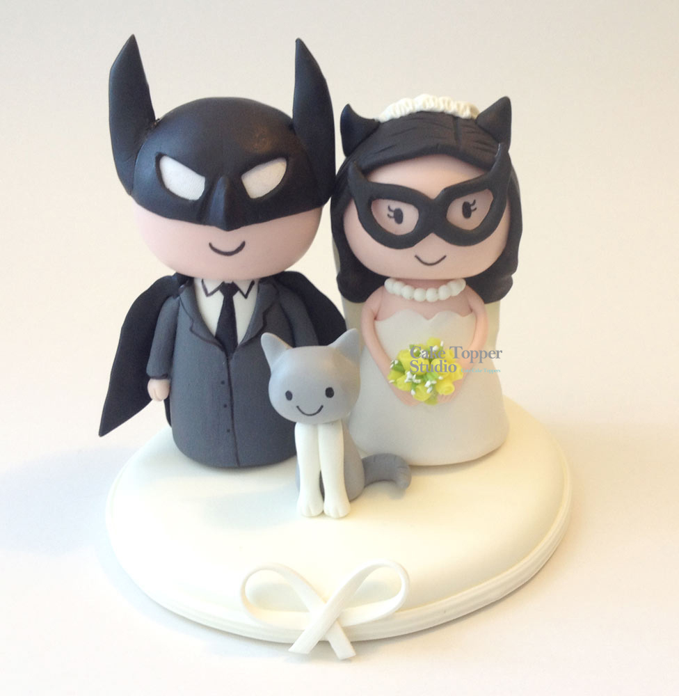 wedding-cake-topper-funny-batman-batgirl