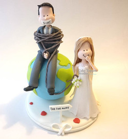 wedding-cake-topper-funny-globe