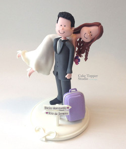 wedding-cake-topper-funny-carrying-bride (2)