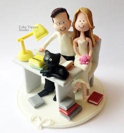 wedding-cake-topper-students-romantics