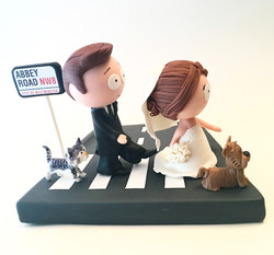 wedding-cake-topper-southstyle-abbey-road-beatles2